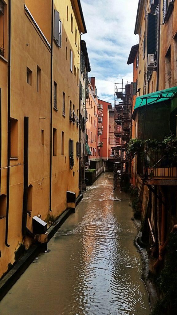 Bolonya Kanalları